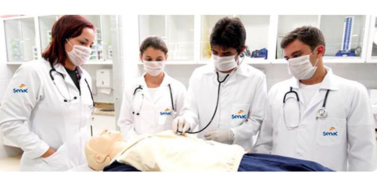 Alunos de Enfermagem do Senac Unidade Crato realizam atendimento gratuito